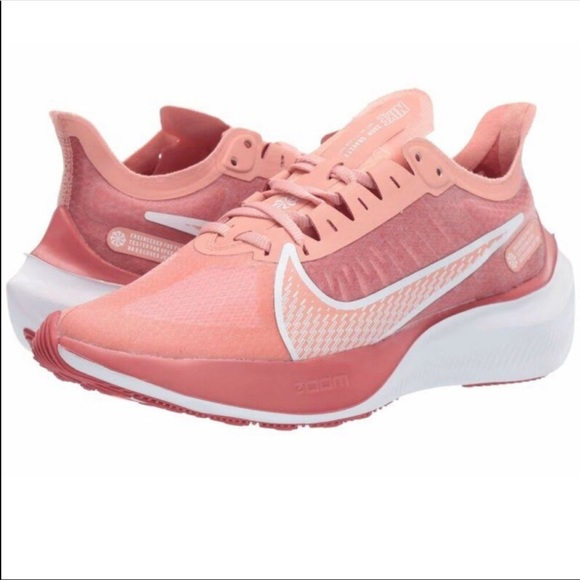 NWT Nike Woman's Zoom Gravity Shoes